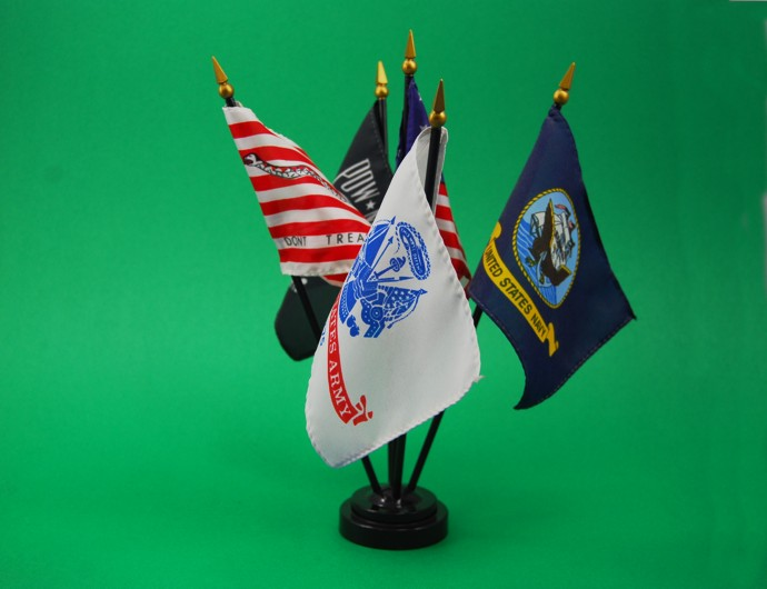 All types and sizes of stock and custom flags