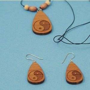 Engraved Yin Yang symbol Necklace & Earrings